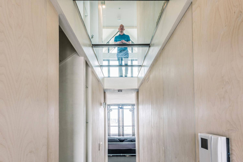 29-04-2016, Amsterdam, Heren 5 Architecten, Bovenwoning in Blok 0, casco opgeleverd en bewoners konden er hun eigen droomhuis in realiseren. foto en copyright Leonard Fäustle